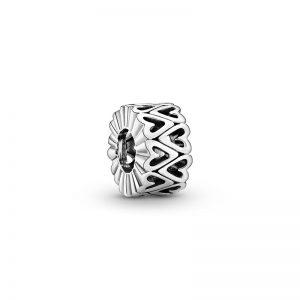 PANDORA Openwork Freehand Hjärtformat Mellanled Berlock fri frakt på Jewelrybox.se