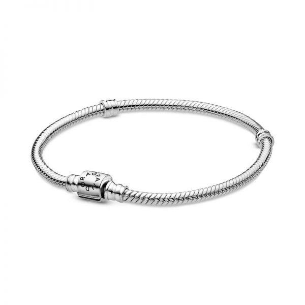 Moments Barrel Clasp Snake Chain Armband från PANDORA