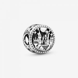 Harry Potter Hogwarts School of Witchcraft and Wizardry Berlock från PANDORA