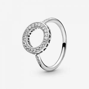 Glittrande Halo Ring från Varumärken