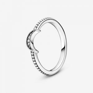 Pärlad Ring med Glittrande Halvmåne från PANDORA