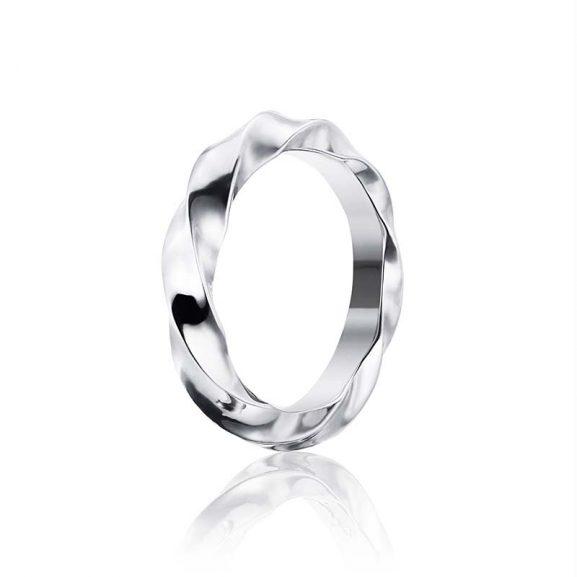 Viking Wide Ring Silver från Efva Attling