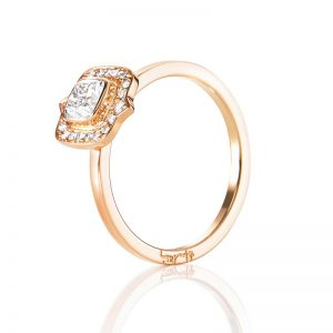 The Mrs Ring 0.50 ct Guld från Efva Attling