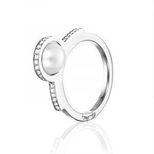 Day Pearl & Stars Ring Vitguld från Efva Attling